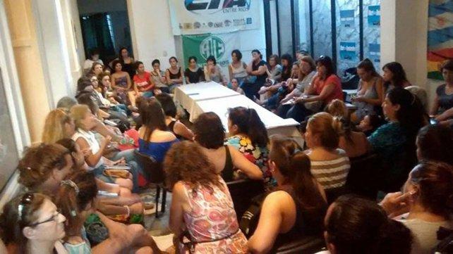 En el encuentro también se acordó por votación que podrán participar varones
