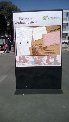 Muestra de fotos en la Plaza Mansilla