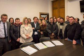 El Intendente Varisco firmó contratos para la construcción de 163 viviendas