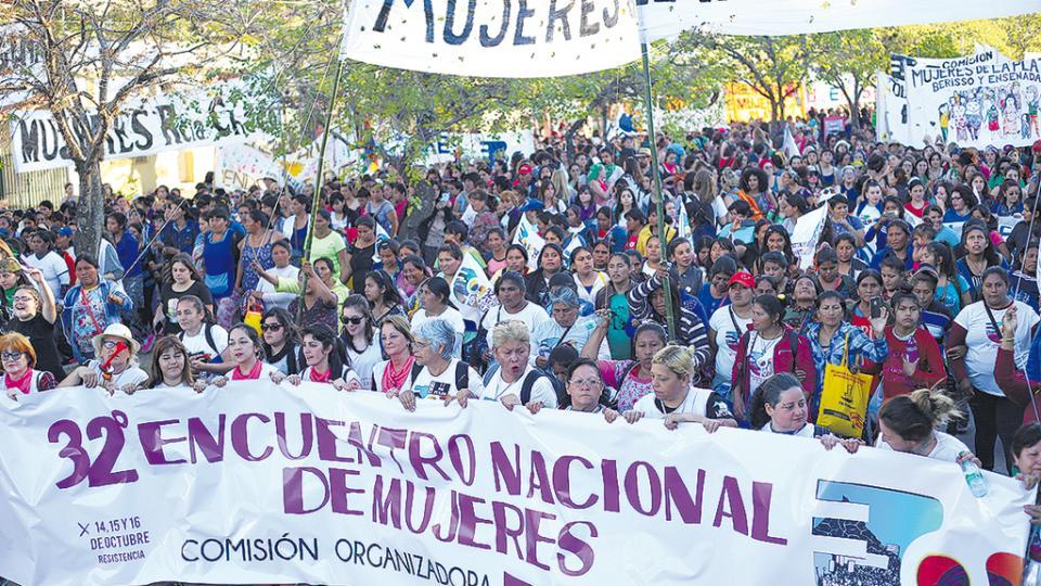 Miles de mujeres se encontraron para exigir en paz sus derechos