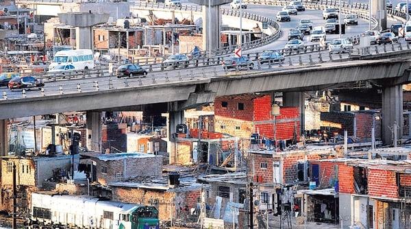En la Argentina hay 13,5 millones de pobres