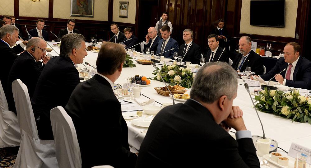 Macri, a empresarios rusos: &#34Venimos con la firme intención de convencerlos de invertir en Argentina&#34