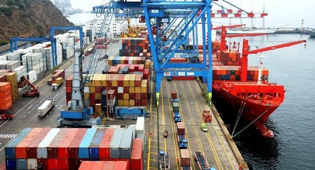 Fuerte déficit comercial en abril: u$s 938 M