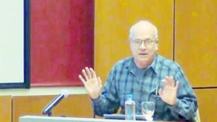 Carlos Rodríguez, ex viceministro de Economía de Carlos Menem, propone devaluar y dolarizar.