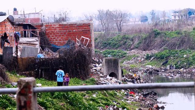 La pobreza alcanzó al 33,6 por ciento de la población