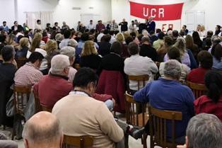 El congreso provincial de la UCR sesionando en el día de ayer.